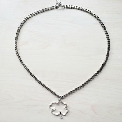 Collar cadena eslabón cuadrado 60 cm trébol